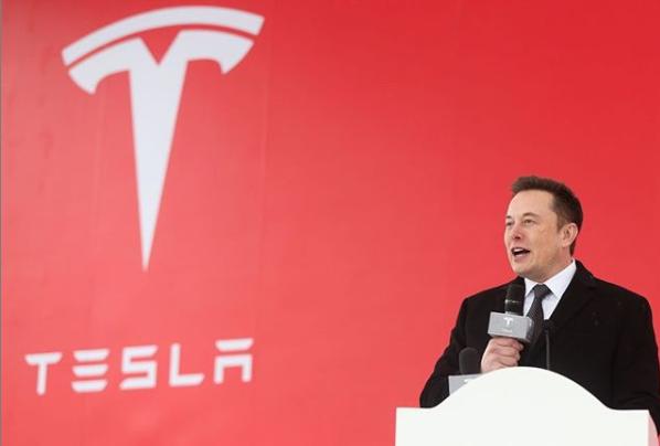 Tesla comienza un nuevo ciclo